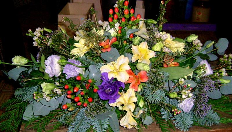 Funeral casket flowers kingston by wild flower